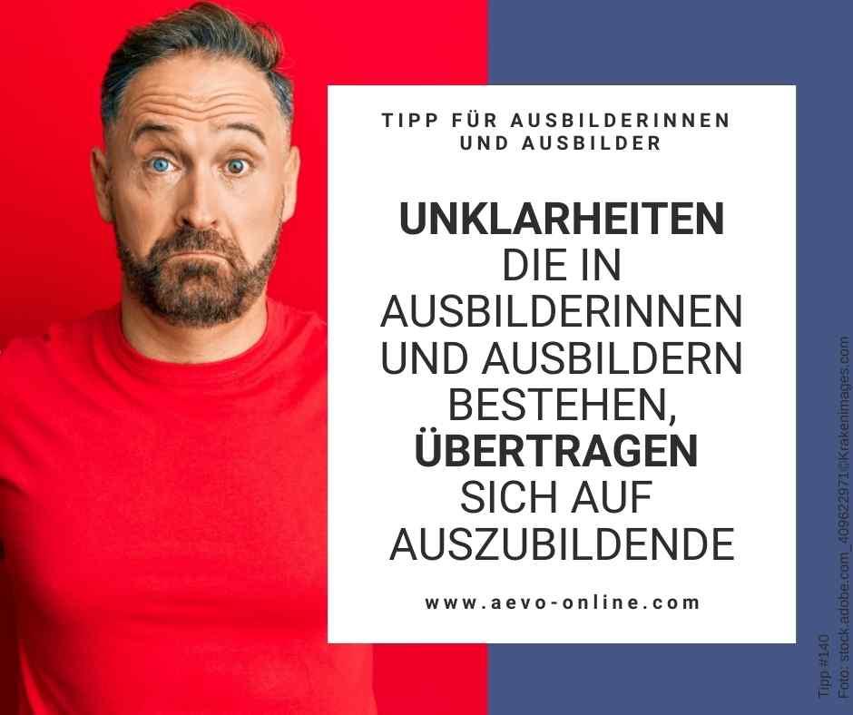 Abbildung: Mann im roten Shirt mit Bart